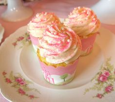 cupcakes recipes | The Best Moist and Fluffy White Cupcake Recipe