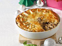Chicken pie for Christmas - Internationally Inspired Chicken Pasta Bake, Oven Chicken Recipes, Dutch Oven Recipes, Fish Recipes, Recipies, West African Food, South African Recipes, Best Dessert Recipes, Fun Desserts
