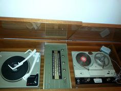 PRECEDENT classic vintage tool connectible with turntable and cassette audio tape Vintage Tools, Turntable, Tape, Audio, Classic, Derby, Record Player, Duct Tape, Classical Music