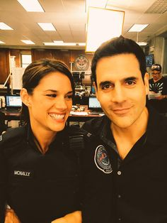 McSwarek~love these two! Andy Mcnally, Ben Bass, Blue Tv Show, Female Cop, Rookie Blue, Tv Couples, Prime Time, Film Serie, Hollywood Stars