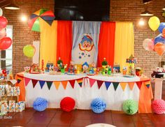 Plim Plim children's theme party - Celebrat : Home of Celebration, Events to Celebrate, Wishes, Gifts ideas and more ! Clowns For Birthday Parties, Birthday Sweets, Party Sweets, Birthday Table, Carnival Birthday, 2nd Birthday, Carnival Themed Party, Carnival Themes, Circus Party