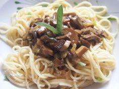 Hub, Spaghetti, Stuffed Mushrooms, Ethnic Recipes, Game, Food, Stuff Mushrooms, Essen, Gaming