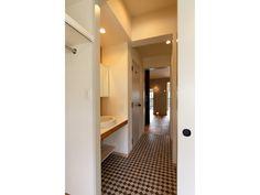 のりすけさんの洗面室の全体の様子『扉が一直線上にある洗面室』(7742-19)