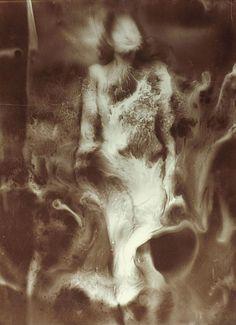 The Nebula/La nébuleuse,1939 byRaoul Ubac*