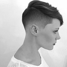 So liberating to have such short hair. I miss mine but I will have short hair again one day. Fade Haircut, Short Haircut, Pixie Haircut, Undercut Hairstyles, Pixie Hairstyles, Hair Undercut, Corte Y Color, Hair Again, Shaved Hair