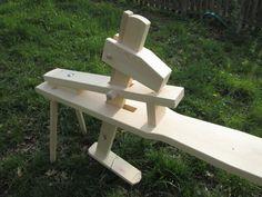 shaving horse , truhlářská stolice....
