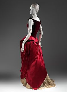 Charles James produced some of the most memorable garments ever made. He began his design career in the It peaked between the late and mid- when his scarce and highly original gowns were sought after by society's most prominent women Charles James, Bill Cunningham, Vintage Dresses, Vintage Outfits, Vintage Wardrobe, Vintage Clothing, Sexy Outfits, Pretty Outfits, 1940s Fashion