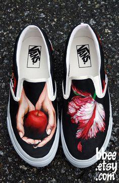 Twilight Vans!! I want these so bad!