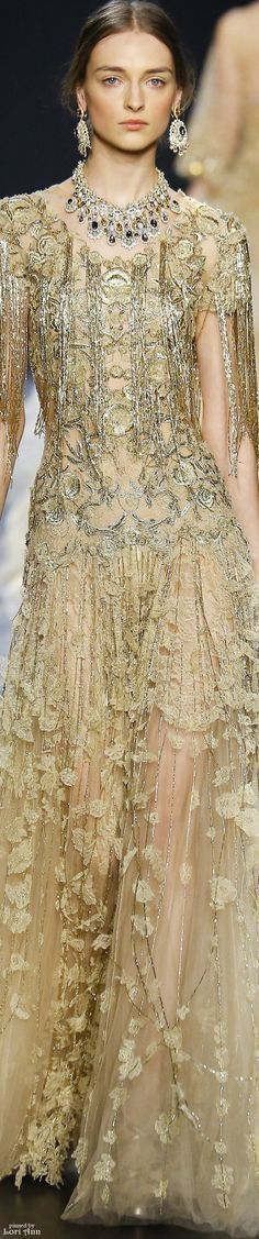 Marchesa Fall 2016 RTW | #highfashion #inspiration #moderndesign luxury design, luxury, fashion. Visit www.memoir.pt