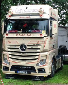 15 Best Trucks In The World [Cool Trucks Pictures] Mb Truck, Truck Art, Mobile Marketing, Cool Trucks, Big Trucks, Mercedes Benz Trucks, Scania V8, The Good German, Peterbilt
