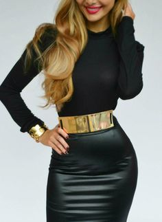 Love the belt! Fall 2013 Fashion Trend Black And Gold Cute Tight Little Black Dress With Thick Gold Metal Belt Curls And Gold Accessories Beauty And Fashion, Fashion Mode, Look Fashion, Passion For Fashion, High Fashion, Autumn Fashion, Womens Fashion, Fashion Tips, Fashion Design