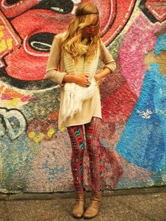 ooh, kinda diggin this with the tribal tights! I Love Fashion, Passion For Fashion, Boho Fashion, Autumn Fashion, Fashion Tights, Hippie Chic, Hippie Style, Bohemian Style, Diesel Punk
