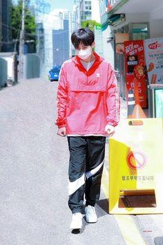 Seong, Theme Song, My Boyfriend, Cool Girl, Rain Jacket, Windbreaker, Jackets, Idol, Twitter