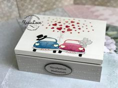 NIEZBĘDNIK MAŁŻEŃSKI kapitalny pomysł na prezent na ślub Painted Boxes, Wooden Boxes, Personalised Wooden Box, Martha Stewart, Decoration, Scrap Books, Cricut, Decoupage Ideas, Valentines