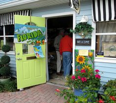 Many funky gift shops to select. Funky Gifts, Gift Shops, Weekend Events, Palm, Florida, Places, Shopping, The Florida, Hand Prints