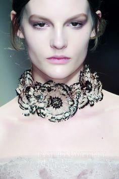Party Fashion, Fashion Shoot, Fashion Models, Fall Jewelry, Jewelry Art, Women Jewelry, Couture Details, Fashion Details, Anemone Flower