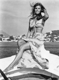 Raquel Welch - bikini, 1970s