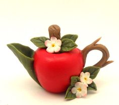 Lory's red apple  teapot by 64tnt on Etsy