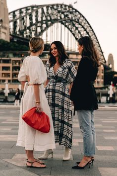 The Best Street Style From Sydney Fashion Week Women's Fashion Street Style is a feature of street fashion photography. It is where a photographer's goal is to capture a moment in time. The way that Street Style i. Best Street Style, Modern Street Style, Looks Street Style, Cool Street Fashion, Looks Style, Street Chic, Modern Fashion Style, Best Style, Star Fashion