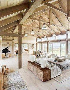 transformer un hangar en maison salon et salle de sejour piano tabourets tapis e… transform a shed into a house living room and living room.