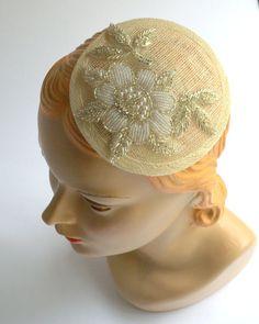 ed4315b159 Chic Beaded Ivory Bridal Hat Bridal Fascinator by BoHoBridal, $50.00 Chapéu  Da Noiva, Fascinador