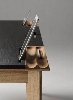 Ollly desk for Zegen