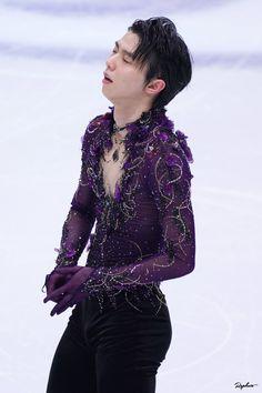 Edit My Photo, Hanyu Yuzuru, Cool Costumes, Figure Skating, Kdrama, Shit Happens, Twitter, Prince, Fashion