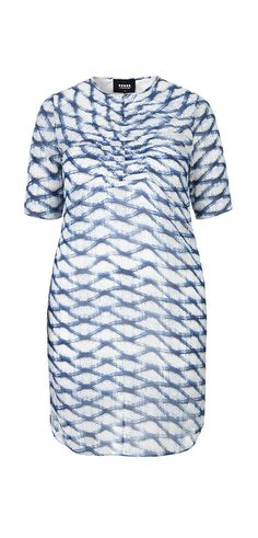 Carmakoma CAPHIR Light summer dress with smock on chest