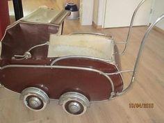 Oude van Delft kinderwagen 1951