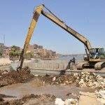 الرى تزيل 111 ألف تعدي على النيل والترع والمصارف -    بلغ عدد الإزالات التى نفذتها وزارة الموارد المائية والرى منذ عام 2015 حتى نهاية شهر مايو الماضي نحو 111 ألف حالة على نهر النيل والترع والمصارف فى جميع المحافظات بالوجهين القبلي والبحري. قال صلاح عز رئيس قطاع تطوير وحماية نهر النيل إن عدد الإزالات التى نفذتها وزارة بلغت نحو 25.4 ألف إزالة على نهر النيل 61.4 ألف إزالة على منافع الري والترع و24.2 ألف إزالة على المصارف الزراعية. أشار عز إلى أن الوزارة ممثلة في قطاع تطوير وحماية نهر النيل بدأت…