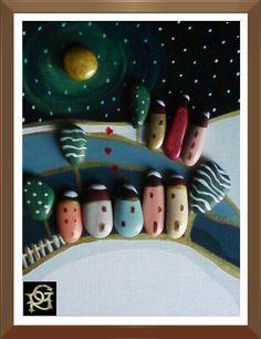 Paesaggio innevato al chiar di luna-Painted  Stones di Rosaria Gagliardi