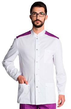 Casaca sanitaria de hombre Dyneke blanca con de manga larga. Tiene adornos morados y dispone de tres bolsillos delanteros, el de pecho es partido para poder poner el bolígrafo, termómetro, ... Se cierra mediante cierres y con contraste morado en los hombros. Es ligeramente entallado y su espalda totalmente lisa. #RopaLaboral #UniformesDeTrabajo #VestuarioOnline #Dyneke #MasUniformes Restaurant Uniforms, Scrubs Uniform, Medical Uniforms, Dentistry, Unisex, Chef Jackets, Mens Fashion, Blazer, Fitness