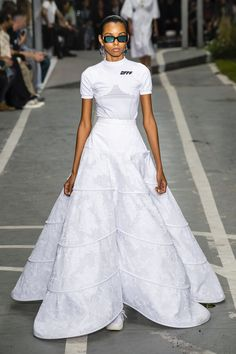 The Off-White Spring 2019 Show Highlighted the Inimitable Power and Expression in Sport - Fashionista Fashion Week, Runway Fashion, High Fashion, Fashion Show, Fashion Design, Paris Fashion, Women's Fashion, White Skirts, White Dress