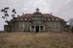 Old abandoned mansion. Schule d. H. J. (HDR) 01