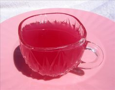 Pink Lemonade Punch: 2 litres 2 litres cream soda, 1 can frozen lemonade concentrate, 1 can frozen pink lemonade concentrate, 1 litre pineapple juice. Pink Lemonade Punch, Frozen Lemonade, Party Drinks, Tea Party, Party Fun, Party Time, Non Alcoholic Drinks, Beverages, Cocktails