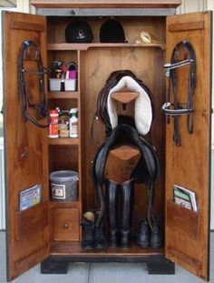 Per-fect!  I don't plan on having many horses so this will be the best.  Saves room and keeps your tack clean & dust free!