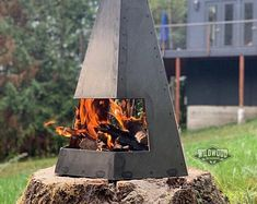 """Modern geometric style """"V"""" fire pit. Made of plate steel and very sturdy and durable. Modular panels fit together and collapse if needed. Diy Outdoor Fireplace, Modern Fireplace, Metal Chiminea, Fire Pit Cooking, Welding Table, Welding Art, Patina Color, Tile Decals, Linoleum Flooring"""