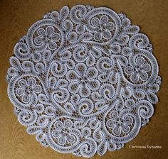 Фотографии Irish Crochet Patterns, Lace Patterns, Crochet Motif, Needle Lace, Bobbin Lace, Romanian Lace, Lace Tattoo, Lacemaking, Sewing Trim