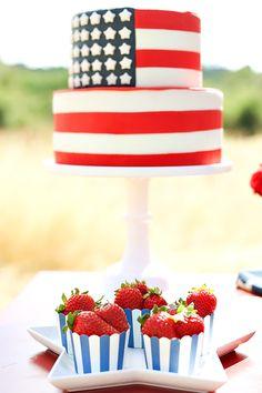 American Flag Cake #FlagCake
