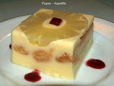 GATEAU TRES FRAIS A L'ANANAS (Gâteau sans cuisson) - Pique - Assiette Ww Desserts, Dessert Recipes, Gateau Cake, Yummy Cakes, Coco, Sweet Recipes, Cheesecake, Food And Drink, Yummy Food