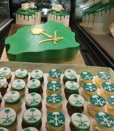 مجموعة مميزة من قوالب الكيك للاحتفال باليوم الوطني السعودي 2019 Saudi Arabia National Day Cake Ideas In 2021 Desserts Cake Birthday Cake