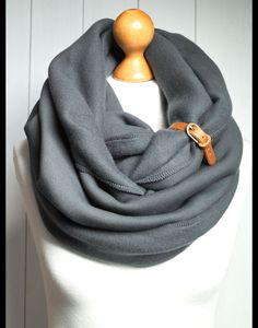 Warmer Schlauchschal aus Jersey in stylischem Grau, weicher Loop Schal mit Lederschnalle als Herbstaccessoire / warm loop scarf made of soft jersey in grey with stylish leather buckle as fall accessory made by Pracownia-Zolla via DaWanda.com