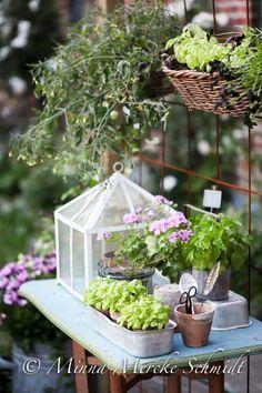 Möblera i trädgården - blomsterverkstad