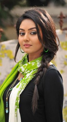 Fantastic beauty hacks info are readily available on our web pages. Check it out and you wont be sorry you did. Beautiful Girl Photo, Beautiful Girl Indian, Most Beautiful Indian Actress, Beautiful Roses, Cute Beauty, Beauty Full Girl, Beauty Women, Beautiful Bollywood Actress, Indian Beauty Saree