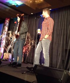 .@jarpad: the arms are too short. Unless you're a tyrannosaurus. Lol #SFCon2015 @JensenAckles