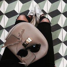 """Pin for Later: """"Greige"""" ist der neue, minimalistische Farbton für eure Kleider"""