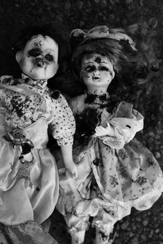 spooky looking dolls... bet they're possessed.