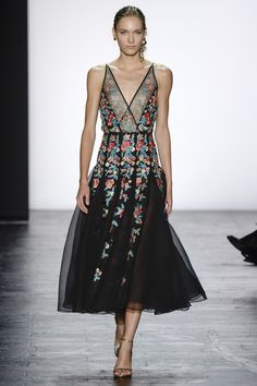 NYFW September 2015: Dennis Basso Spring 2016 Ready-to-Wear Fashion Show