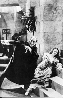 The Phantom of the Opera silent horror film, starring Lon Chaney, Sr.) It's not the fact that the movie was cheesy, but that it was black and white and the phantom was one dimensional. Horror Vintage, Retro Horror, Horror Icons, Sci Fi Horror, Classic Monster Movies, Classic Horror Movies, Classic Monsters, Classic Movies, Classic Books