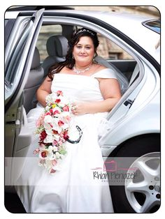 Weddings. Bride. Rhian Pieniazek Photography.